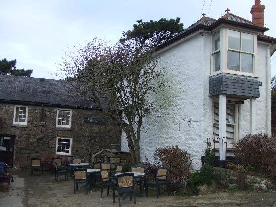 Zennor, UK: The White House - next to the Tinners Arms