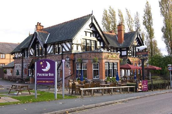 Premier Inn Warrington North East Hotel: Attached restaurant