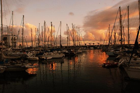 Cordial Mogan Valle: sunset over the port