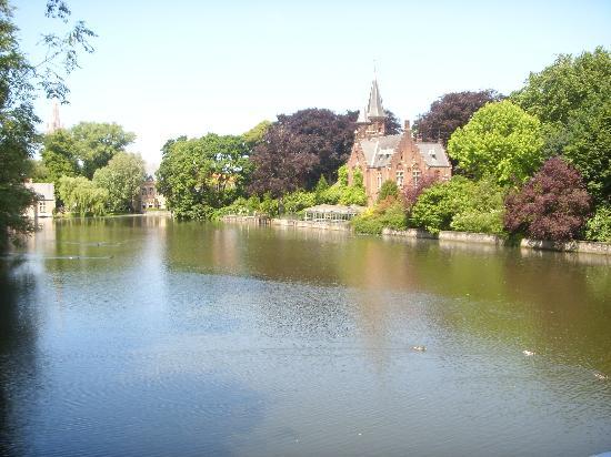 Academie Hotel: Minnewater - Lake of Love