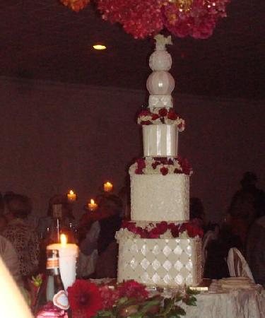 DiSalvo's: cake table set up