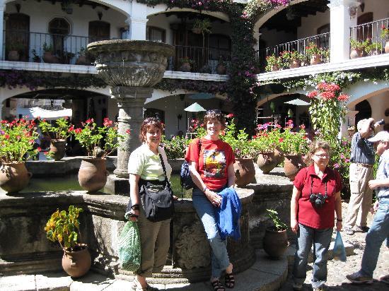 Santo Tomas Hotel: interior patio