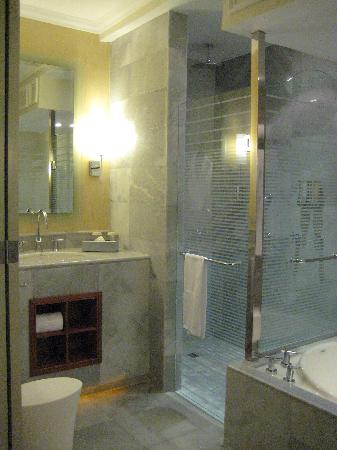 Iberostar Grand Hotel Rose Hall : Bathroom