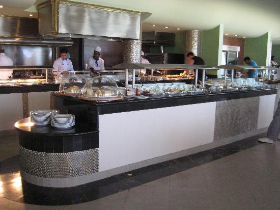 Iberostar Grand Hotel Rose Hall: Beachside restaurant