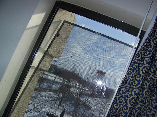 Baymont Inn & Suites Battle Creek/I-94: screen