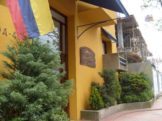 Hotel Emaus Bogota: Fachada