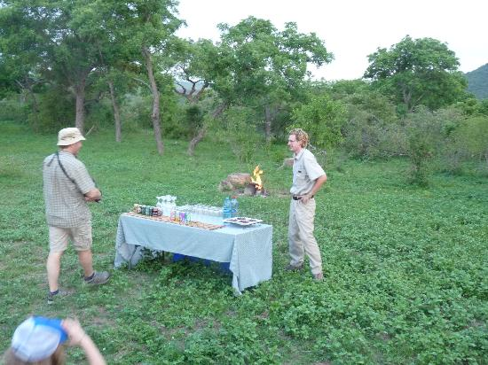 Kwa Madwala Private Game Reserve: stopping for a safari beverage