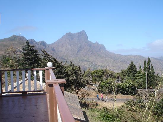 Quinta da Montanha Hotel: Rear view from balcony