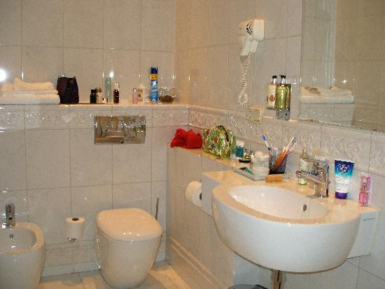 Casa Leto: Rinaldi Bathroom
