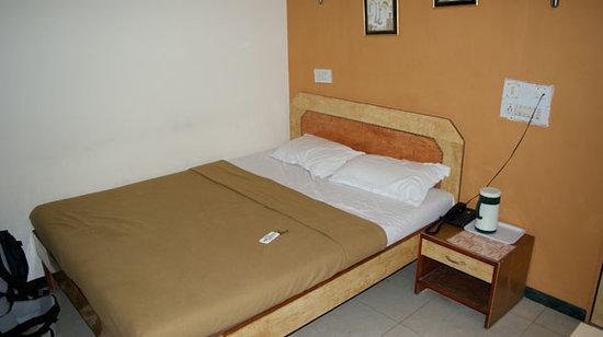Hotel Arma Lake Site: The deluxe bed that takes up about 80% of the room space...