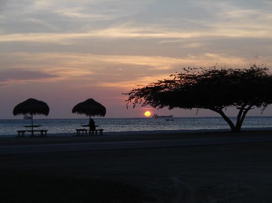 Aruba Beach Villas: Sunsets