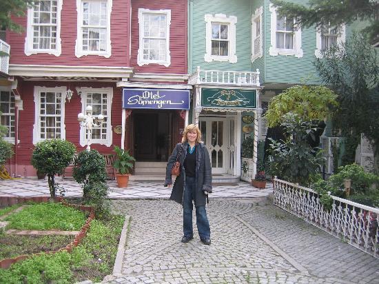 Historia Hotel : The Hotel entrance