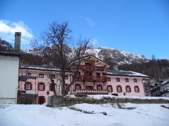 Villa della Regina: la facciata della villa