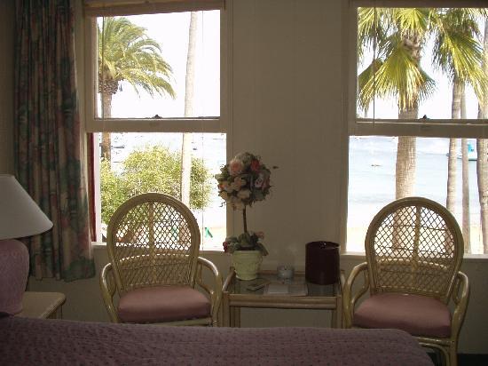 Hotel Mac Rae : Ocean Front Room - looking toward the windows