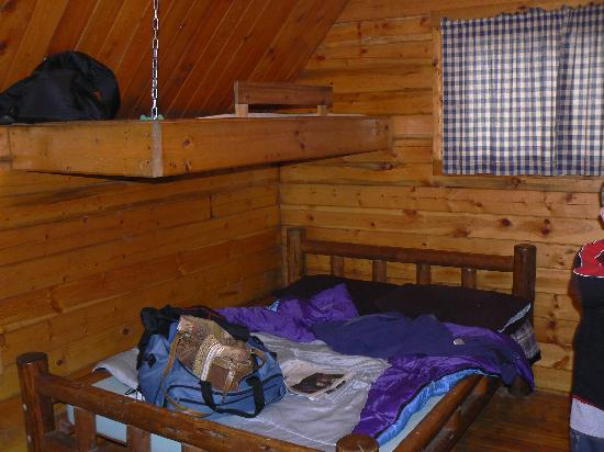 Astoria/Warrenton/Seaside KOA: inside our cabin