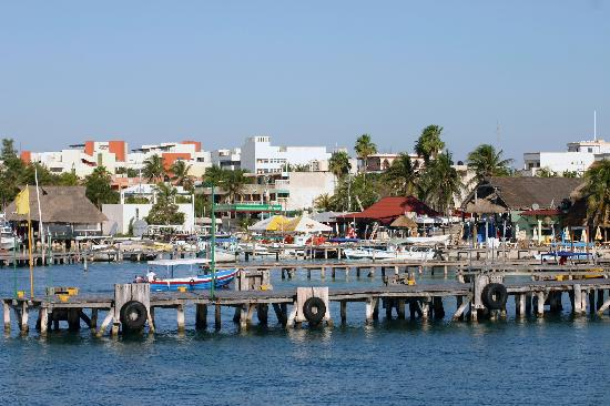 Puerta al Mar: Boat docks