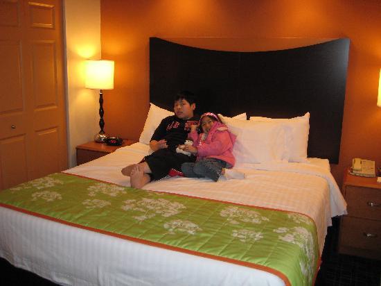 Fairfield Inn & Suites Pittsburgh New Stanton: Bedroom