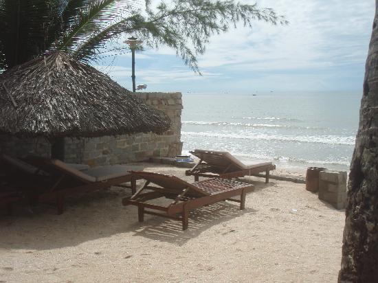A Mui Ne Lodge Resort: View from the Beachfront Room