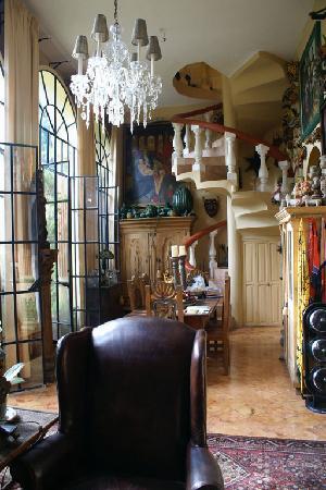 Los Arcos Bed & Breakfast: Interior main house