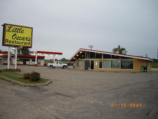 Hampton, MN: Little Oscar's at twilight