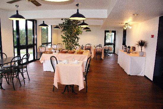 Stars Dreux Hotel : Salle du petit déjeuner