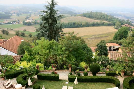 Sunstar Boutique Hotel Castello di Villa: View from the room