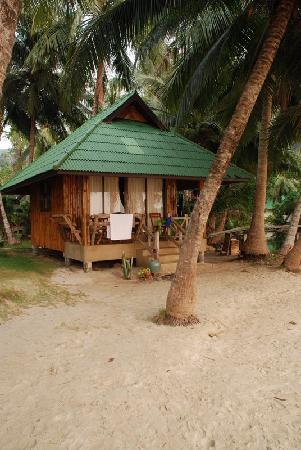 K.B. Resort: beach front villa