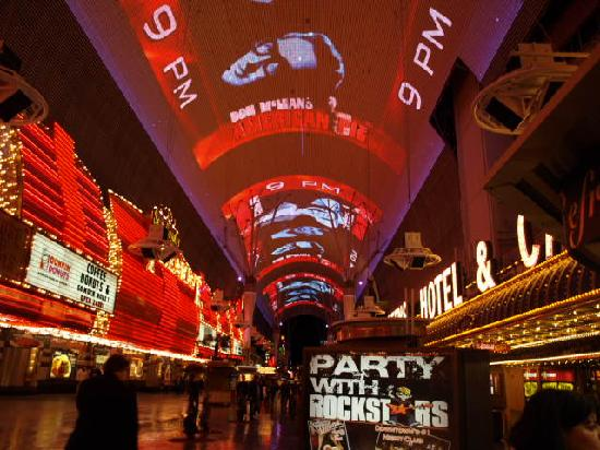 Four Queens Hotel And Fremont Street Experience