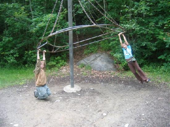 Lake Pemaquid Campground: Playground
