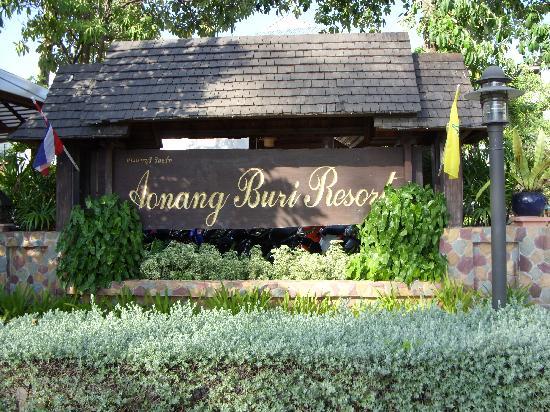 Aonang Buri Resort: Front Resort