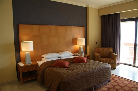 InterContinental Aqaba Resort: Bedroom Photo - Comfy Bed