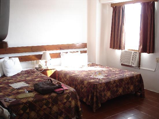 Hotel Alux Cancun: room