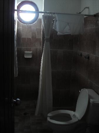 Hotel Alux Cancun: bathroom