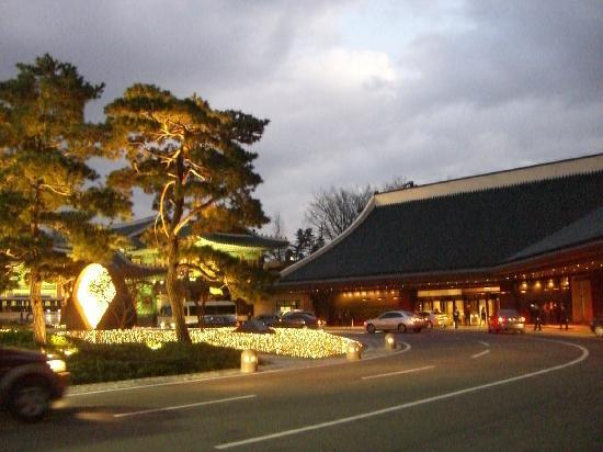 The Shilla Seoul: 広々としたエントランス