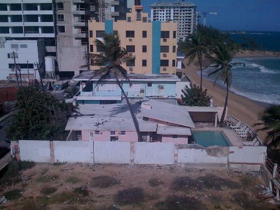Atlantic Beach Hotel: neigbor property