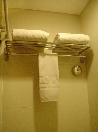 HARRIS Hotel Tebet: Towel Rack