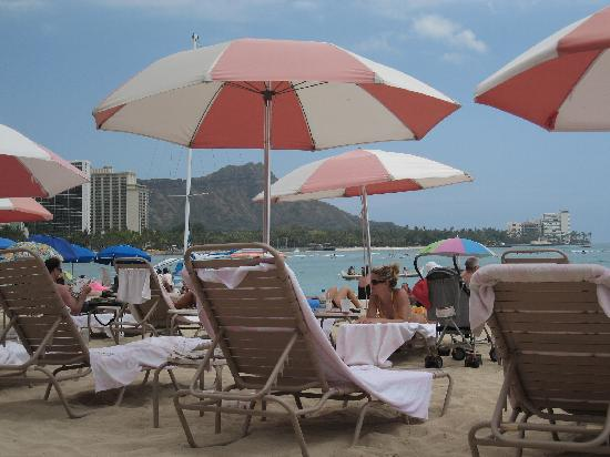The Royal Hawaiian, A Luxury Collection Resort: ホテル前のビーチ