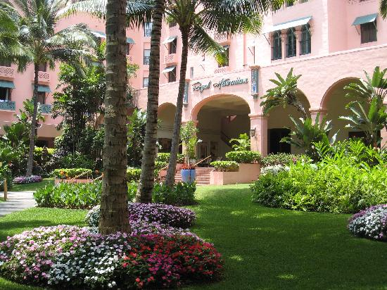 The Royal Hawaiian, A Luxury Collection Resort: 中庭