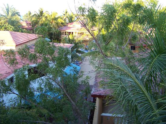 Hotel Celuisma Cabarete: view from resort's lobby balcony