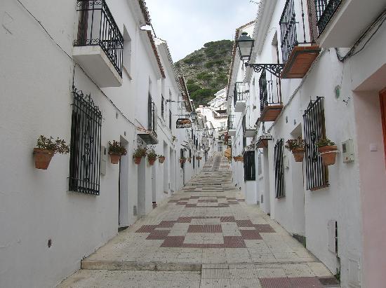 Las Rampas: Mijas village street