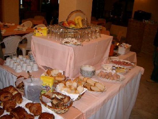 Dar-Tlidjene: buffet