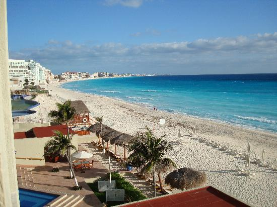 A Walk On The Beach Picture Of Club Regina Cancun