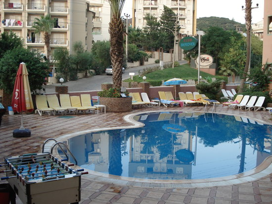 Meridyen Apartments: Hotel Pool