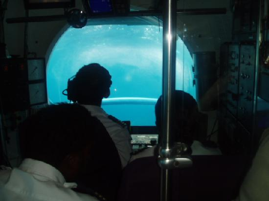 Jumeirah Vittaveli: Submarine excursion
