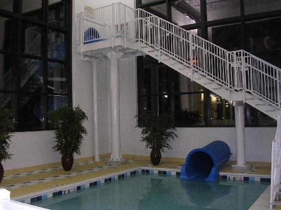 Fairfield Inn Suites Cleveland Beachwood The Slide Is Starts At Top And Goes