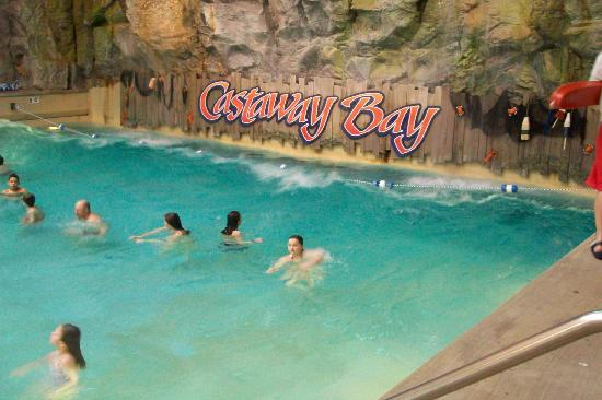 Cedar Point's Castaway Bay: The Wave Pool