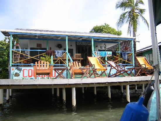 Cocomo on the Sea : Coming to Cocomo by boat.