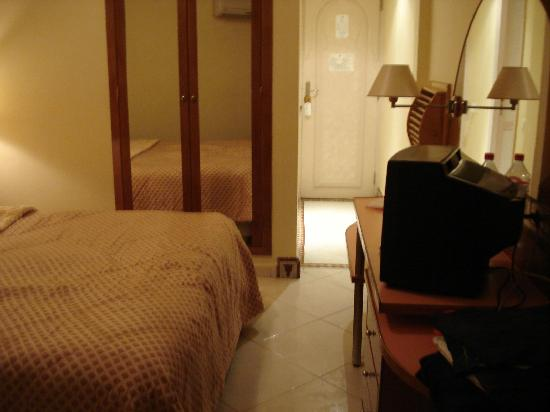 Hotel Mounia: Bedroom