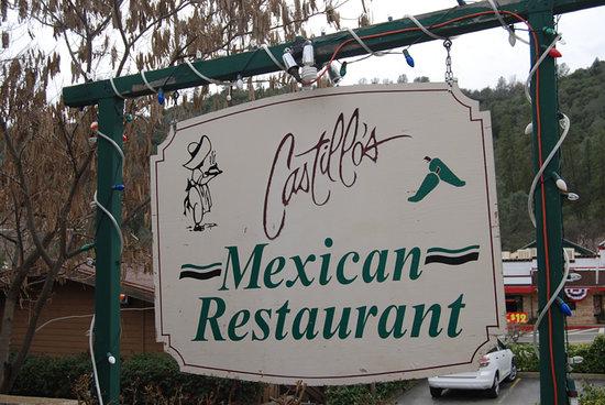Castillo's Mexican Food: sign