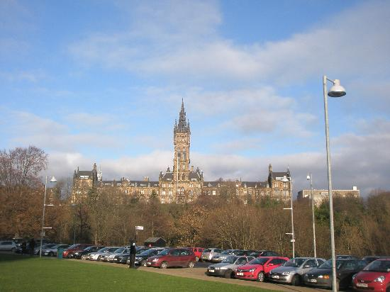 Glasgow Youth Hostel: University of Glasgow--view from hostel. 10 minute walk